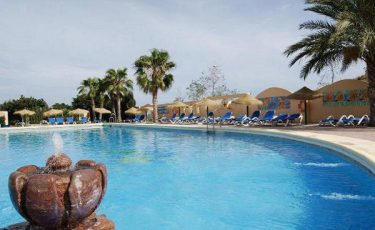 camping los escullos swimming pool