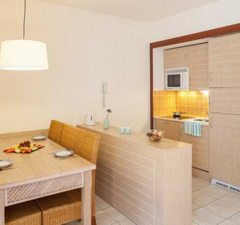 costa dorada pet friendly apartments kitchen
