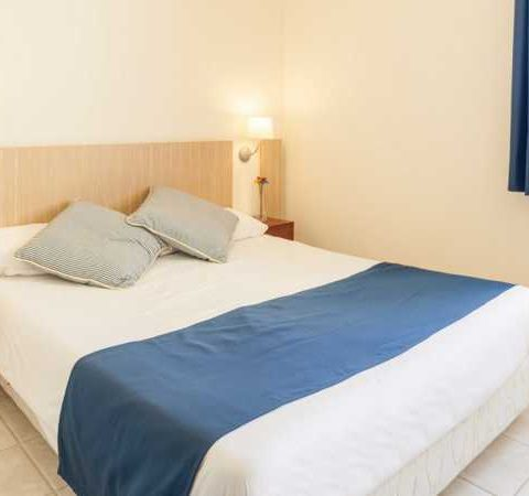 costa dorada pet friendly apartments principal room