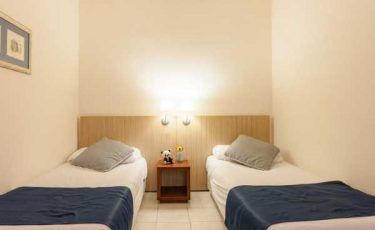 costa dorada pet friendly apartments two beds room